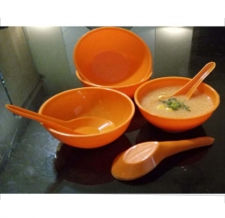 5.3 Inch - Microwave-safe Soup Bowls with Spoons - Made of Food Grade Virgin Plastic - Orange Color